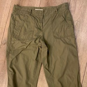 Classic cargo stretch pants.! Relax pants size 8